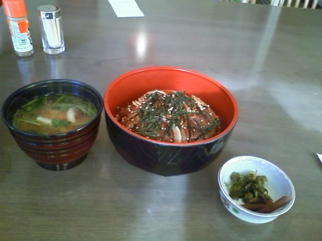 お昼ご飯は三ヶ日牛丼