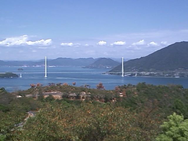 伯方島から多々羅大島を望む